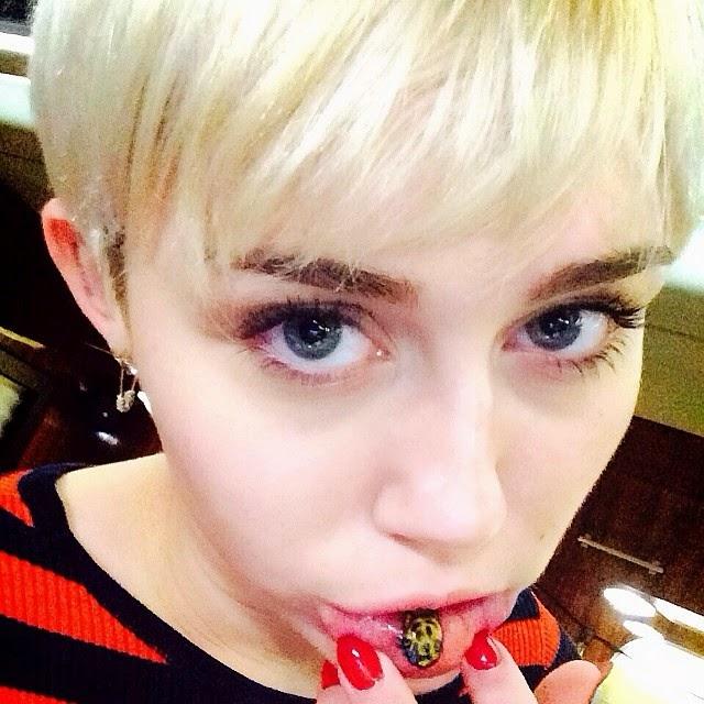 Miley Cyrus revela nuevo tatuaje