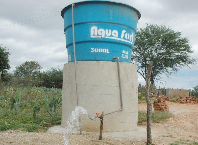 Prefeitura de Ouro Velho instala caixas d'agua em diferentes comunidades do município