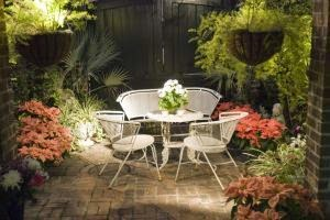 Patio Improvement Ideas That Work Year-Round for Entertaining