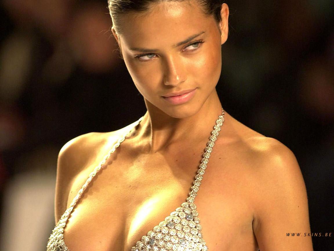 http://4.bp.blogspot.com/-R9LHbRXqjVQ/TeP9MBP2y2I/AAAAAAAAKYI/8X6T4gj4-L0/s1600/Adriana+Lima+%25281%2529.jpg