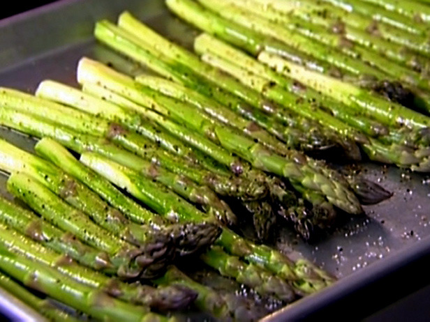 Recipes from HT's Kitchen: Roasted Asparagus