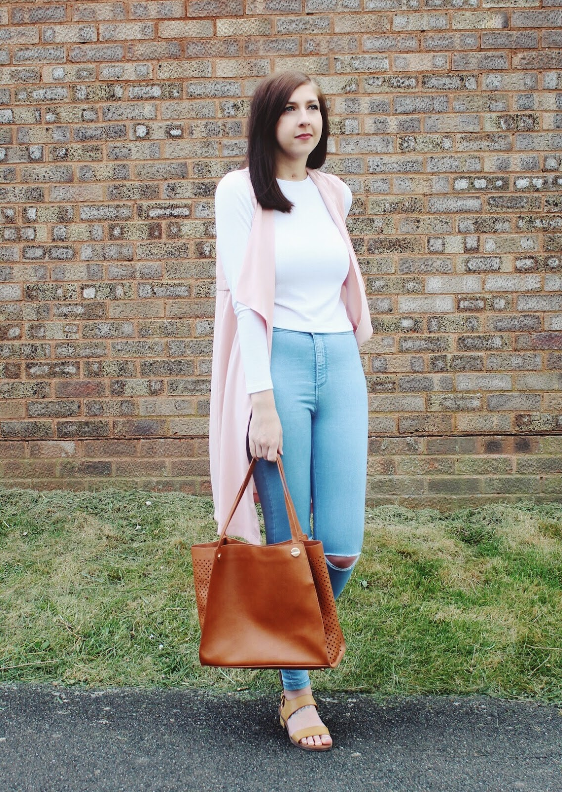 asseenonme, fbloggers, fblogger, halcyonvelvet, wiw, whatimwearing, lotd, lookoftheday, ootd, outfitoftheday, primark, summerlook, croptop, rippedskinnyjeans, pinktailoring, fashion, fashionbloggers, fashionblogger