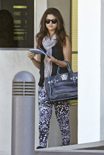 Selena Gomez  leaving from a meet