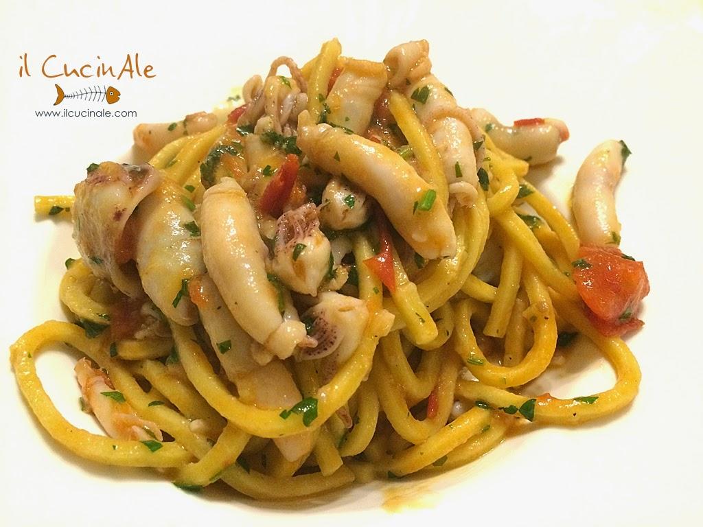 Calamarelle, calamaretti, pasta