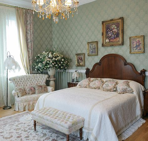 Victorian bedroom decorating ideas bedroom for Floral bedroom decor