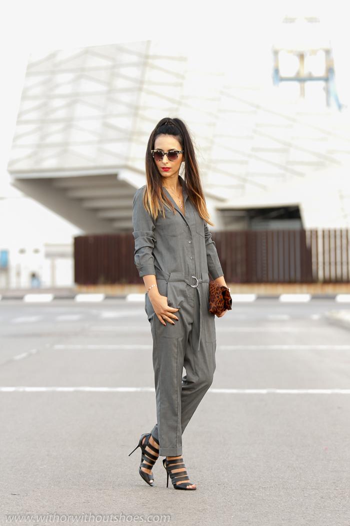Blogger de moda adicta a los zapatos Jimmy Choo