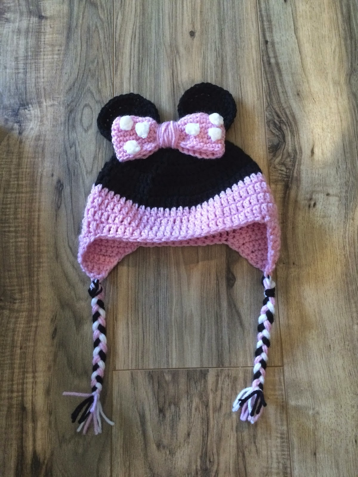 Twenty Somethin Mom Crochet Minnie And Mickey Mouse Earflap Hat