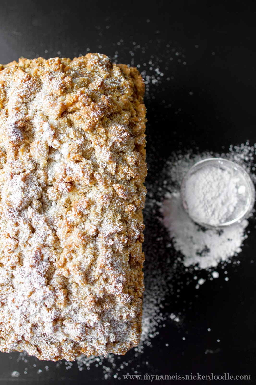 Sprinkled with the right amount of powdered sugar, this Streusel Pumpkin Chocolate Chip bread is divine!  |  My Name Is Snickerdoodle