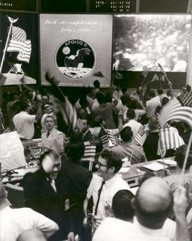 20 Menganalisa Peristiwa Pendaratan Manusia Pertama Kali Di Bulan