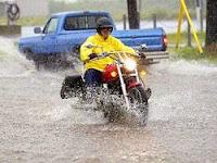 Merawat Sepeda Motor Saat Musim Hujan