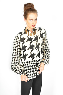 1960's Mod vintage black and white houndstooth print collared blouse with button up closure.