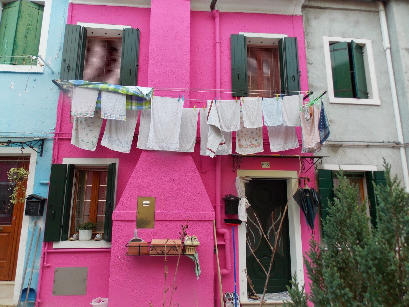 Home To Italy: Burano, Italy: The Colors that capture your attention