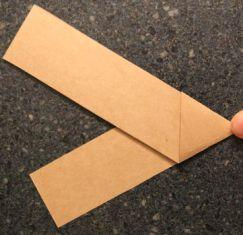 Cara Membuat ALat Petik Gitar dari Kertas