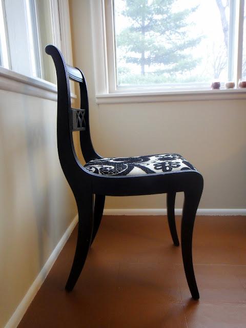 Antique White black Duncan Phyfe chair