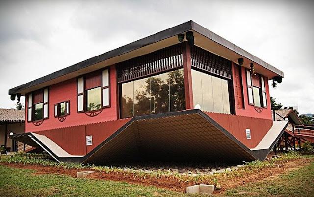 Gambar Rumah Terbalik Sabah