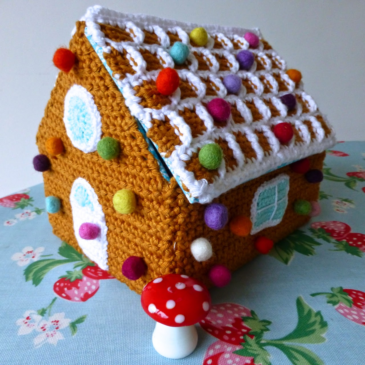 Mrs Thomasina Tittlemouse: Gingerbread House Tutorial
