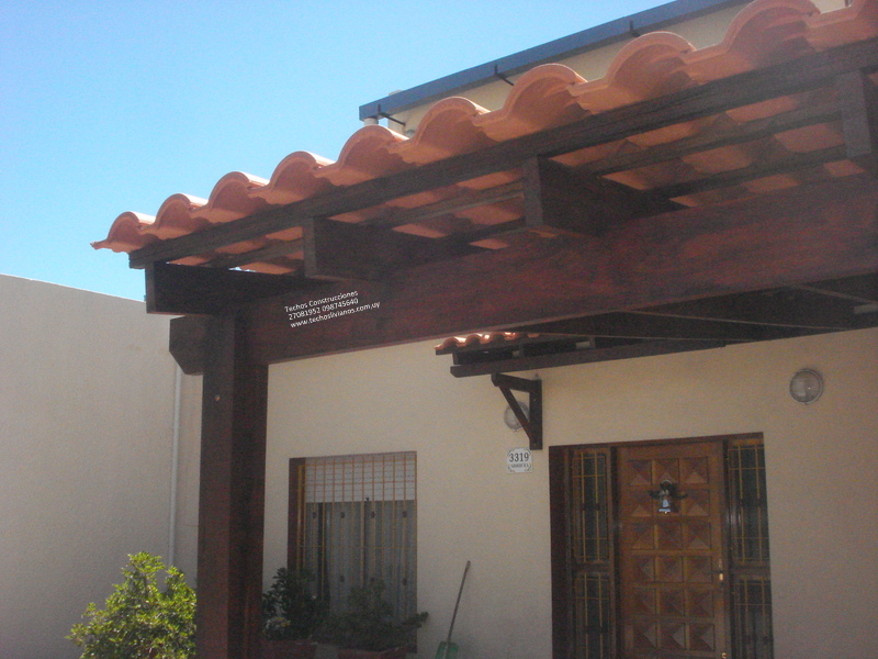 Techos livianos 24825508 099920839 cochera y alero for Modelos de techos con tejas