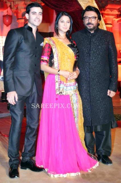 Jennifer-winget-half-saree-with-Sanjay-leela-bhansali-Saraswatichandra-serial-launch