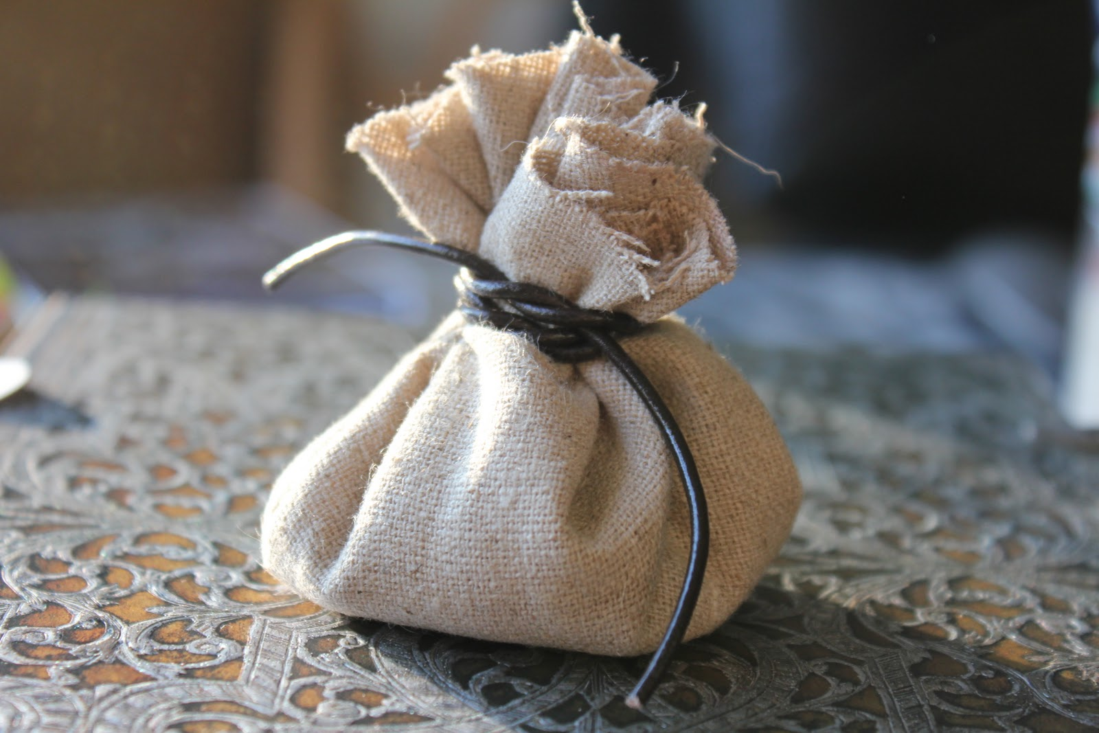Medieval Bride: Easy DIY favor bags / rice bags