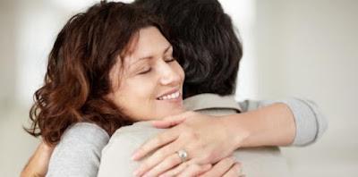 pelukan hangat sebelum hubungan intim