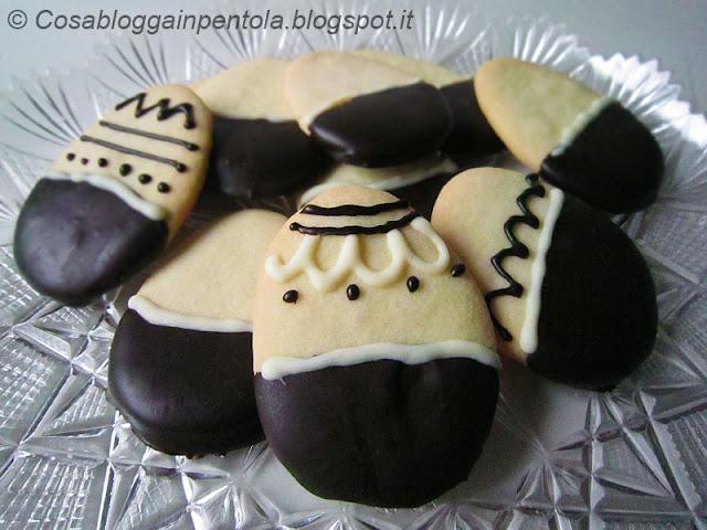 biscotti ferri di cavallo ovetti pasqua uova ricetta cosa blogga in pentolacosabloggainpentola