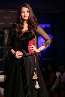 Aishwarya rai bacchan with loginess beauty