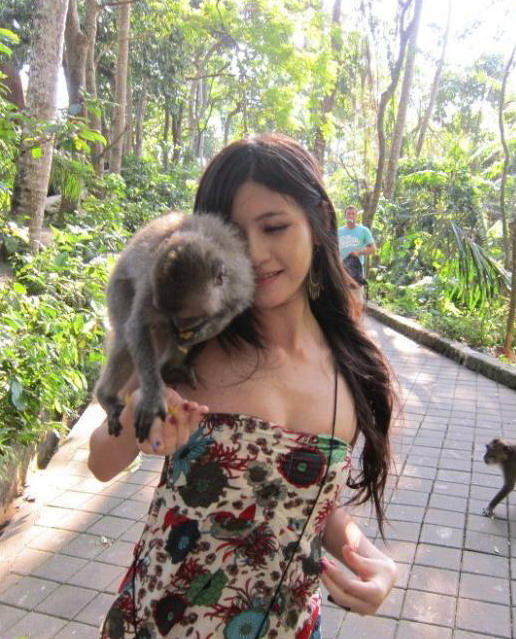 description monyet juga suka sama susunya cewek cantik reviewed by