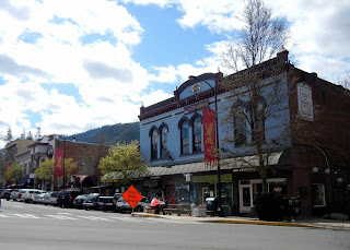 Walking around Ashland, OR