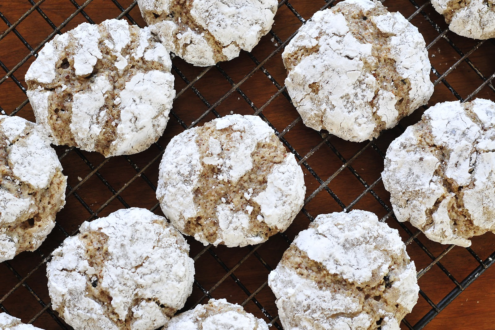 Currant Amaretti Cookies