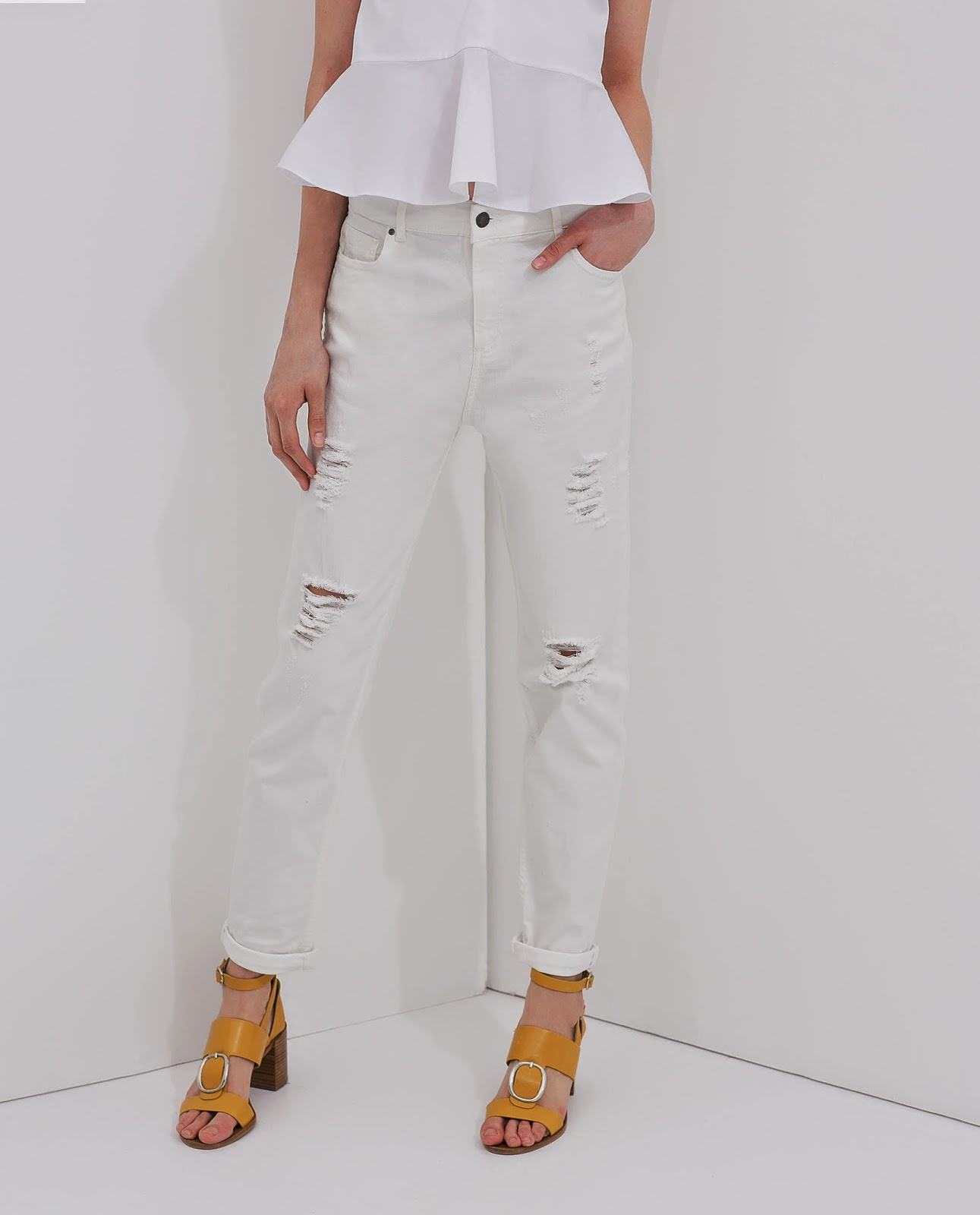 ripped white jeans, zara white jeans,