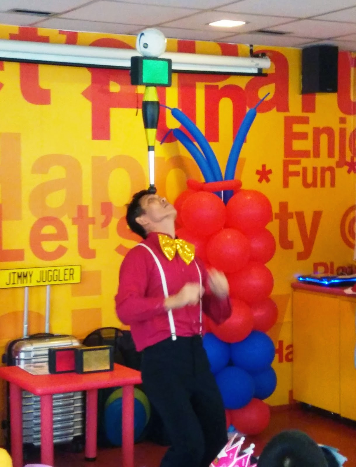 Birthday Party | Juggling Show | JimmyJuggler