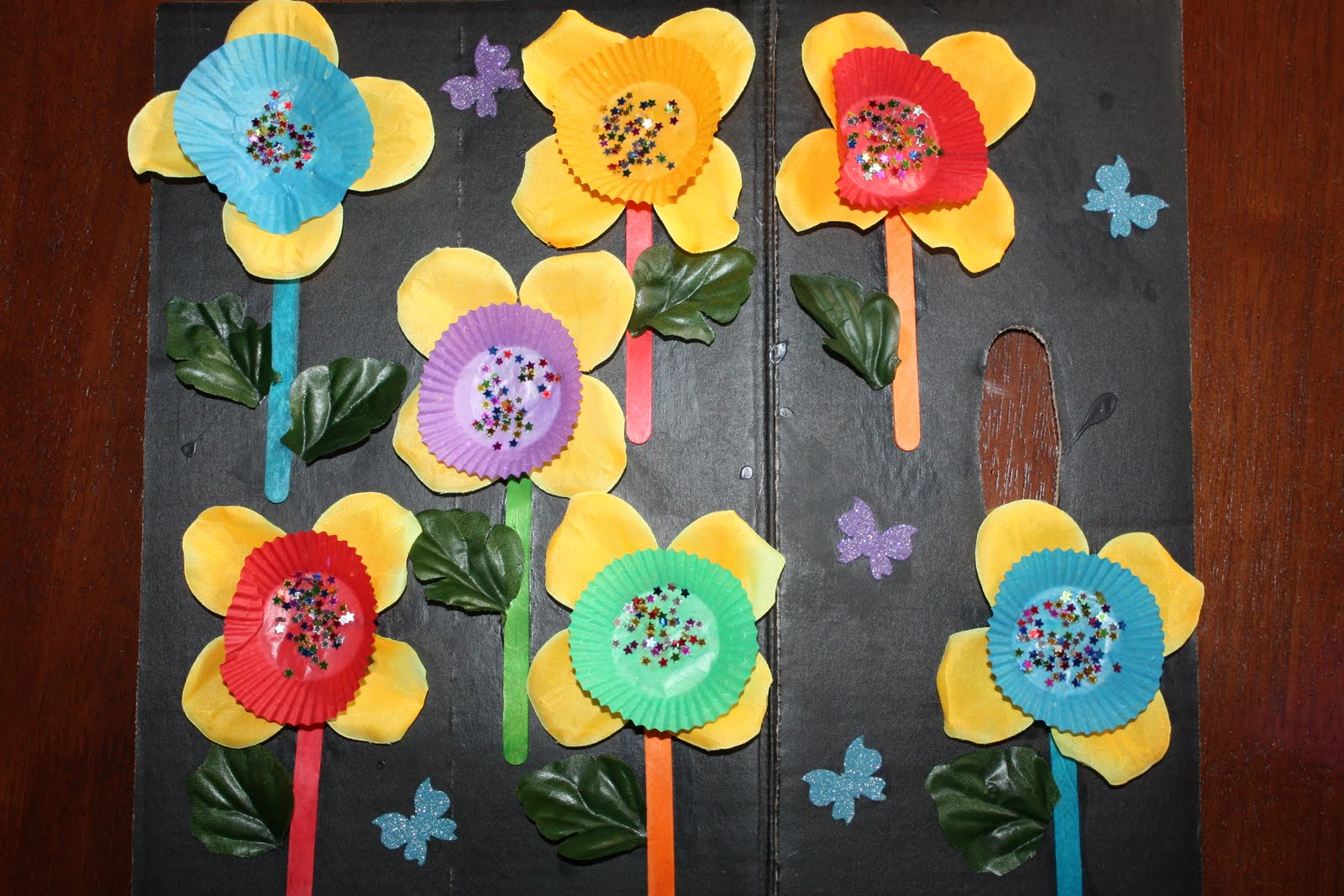 Kids Love Craft Mothers Day Cards With Fake Flower Petals