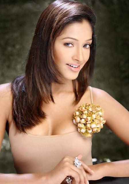 Kesha Khambhati latest photo shoot
