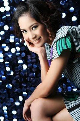Profil Aktris [Wanita Cantik] Bunga Zainal
