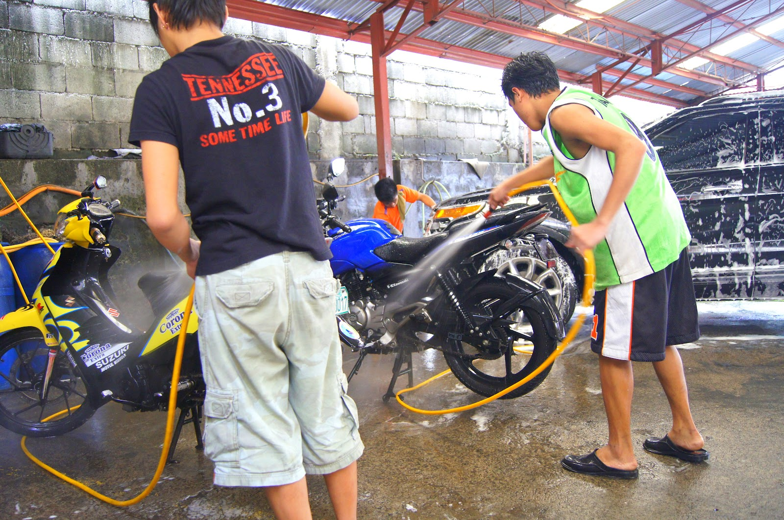 Car Wash Vacuum >> Our Enigmatic World: Car Wash in The Philippines