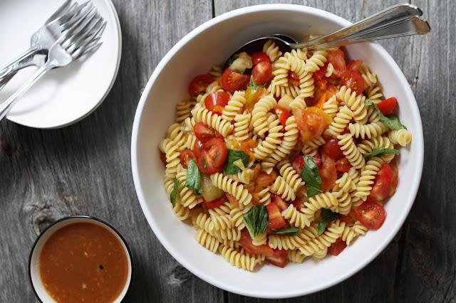 Grilled Tomato Pasta Salad | Sevengrams