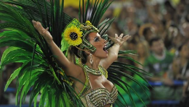 Sexo duro en el carnaval brasileo - Porno Pajote
