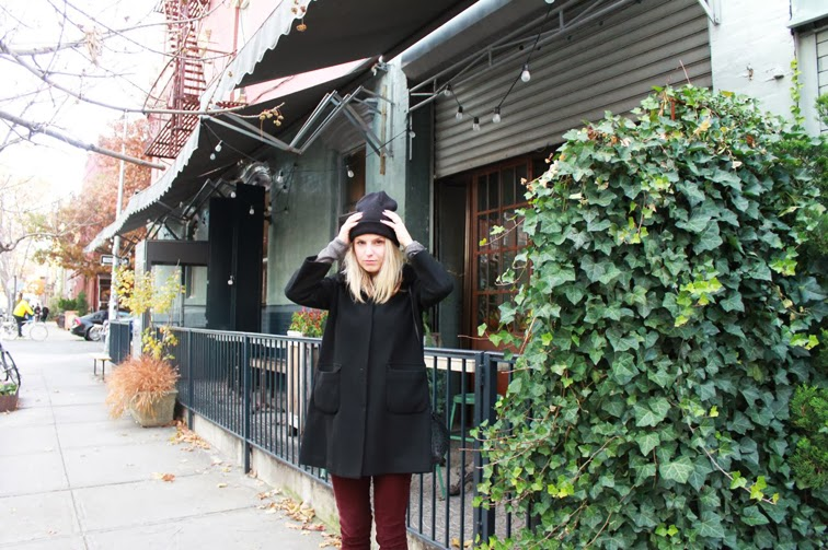 Cape coat blondie beanie