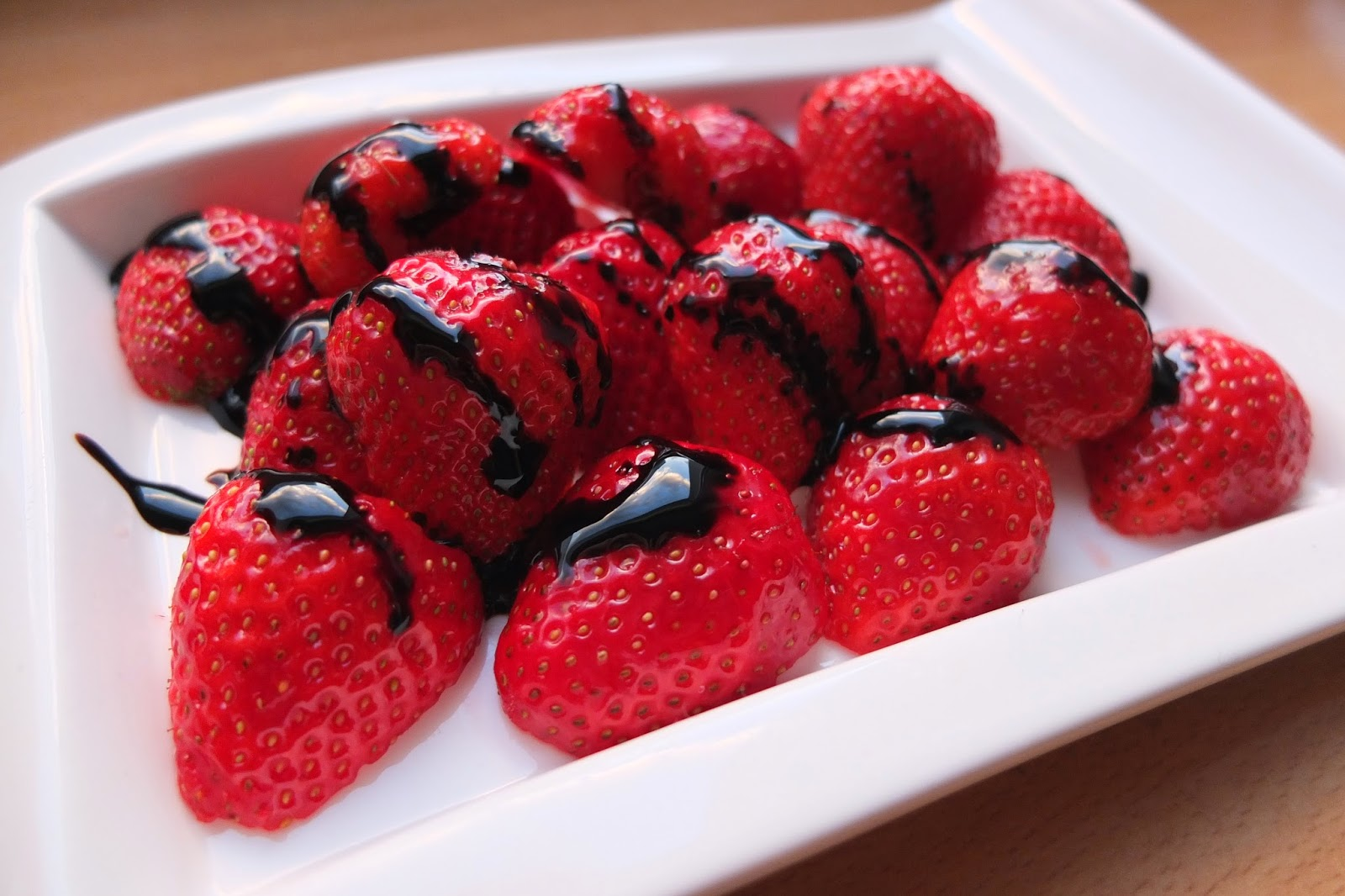 Strawberries with vanilla balsamic sauce #9
