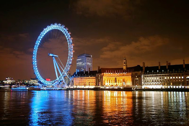 London Eye at night - London, UK | Travel London Guide