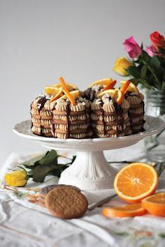 Kevään juhlien herkkuja kekseistä