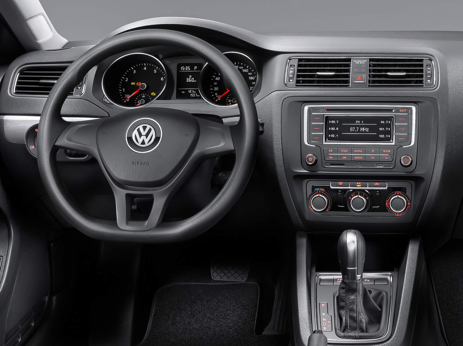 VW Jetta 2015 Trendline - interior