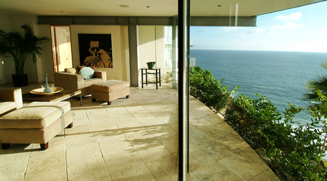 Picture of the ocean view as seen from the living room