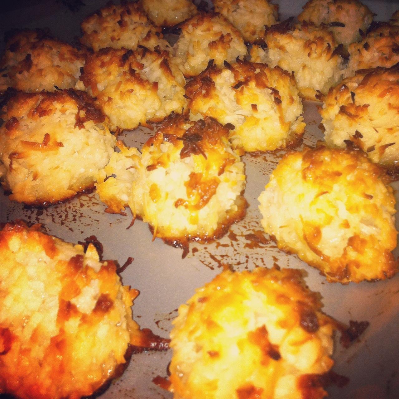 ... Yakkin': Let Them Eat Coconut! Gluten-Free, Paleo Coconut Macaroons