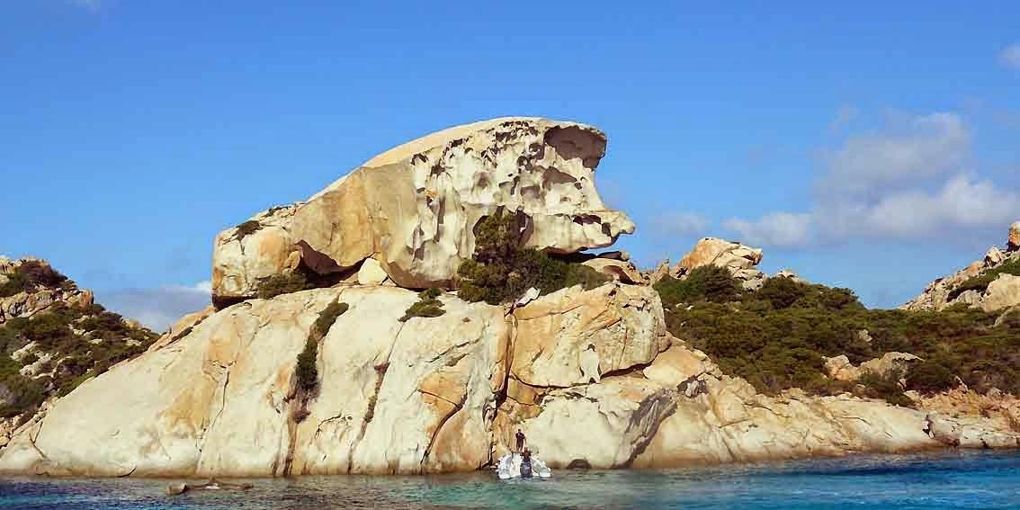 Erosion. Rochers de granit; Ile Spargi