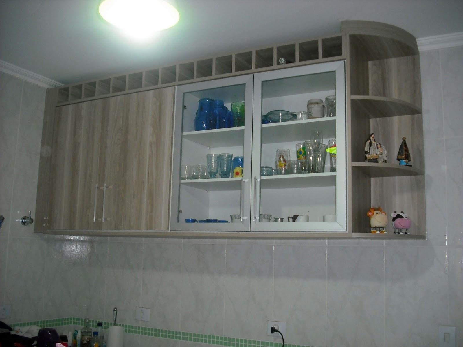 RCD marcenaria: armário superior com porta de vidro (noce califórnia #27455E 1600 1200