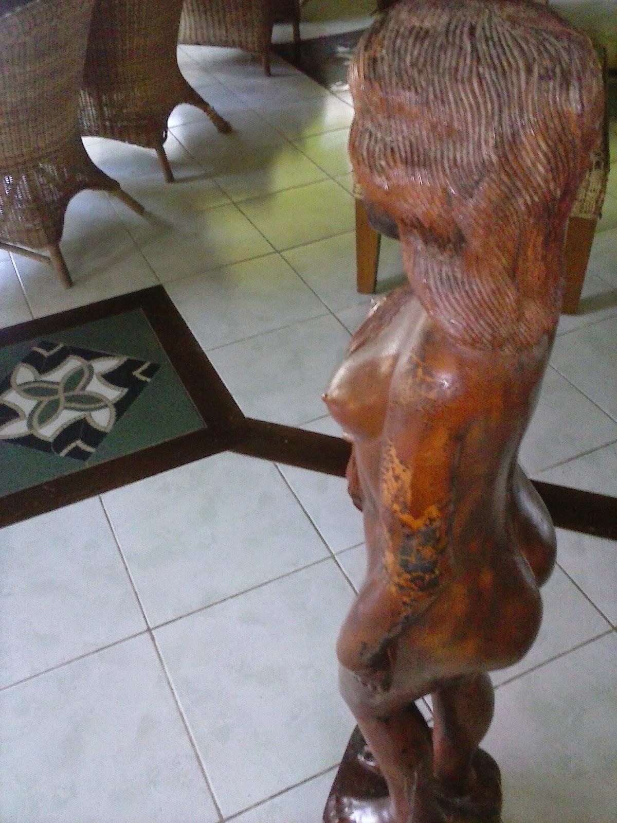 Female woodcraft sculpture Philippines