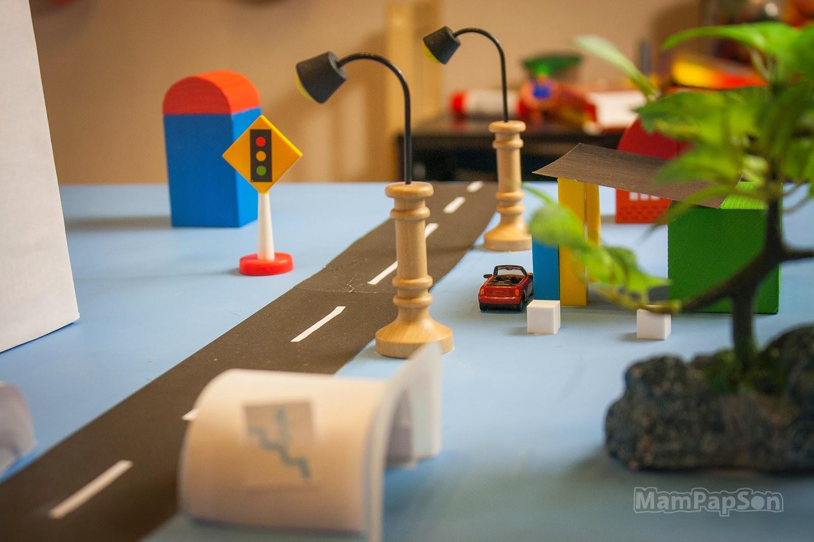 город над столом