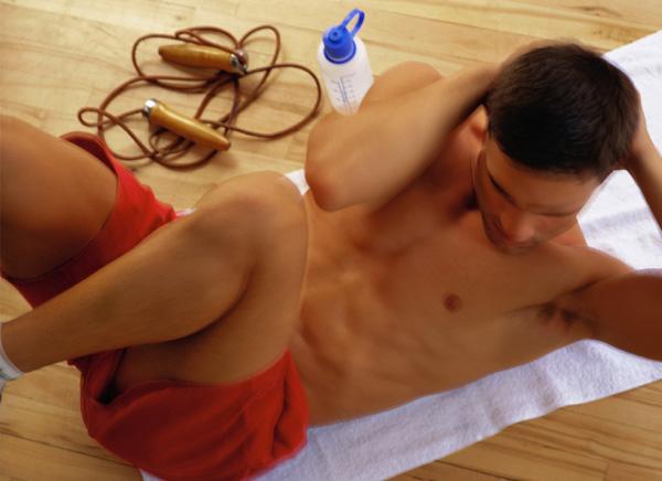 как убрать жир с мужской груди