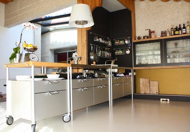 Salvaspazio Cucina Dmail : Boiserie c la cucina si sposta su ruote